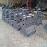 提供公路隔离墩钢模具/定制生产/价格查询