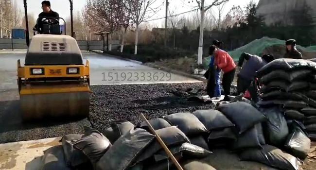 """江西赣州冷补料快速修复""""坑人""""的问题道路"""