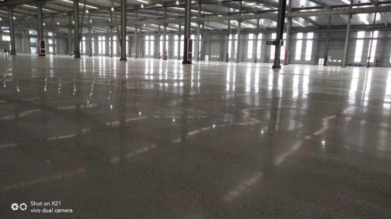 供应莱芜环氧地坪施工日照环氧自流平青岛耐磨地坪固化地坪施工