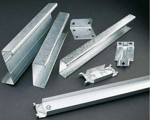 恒海供应:钢结构加工 C/Z型钢 几字形檩条等钢结构维护产品